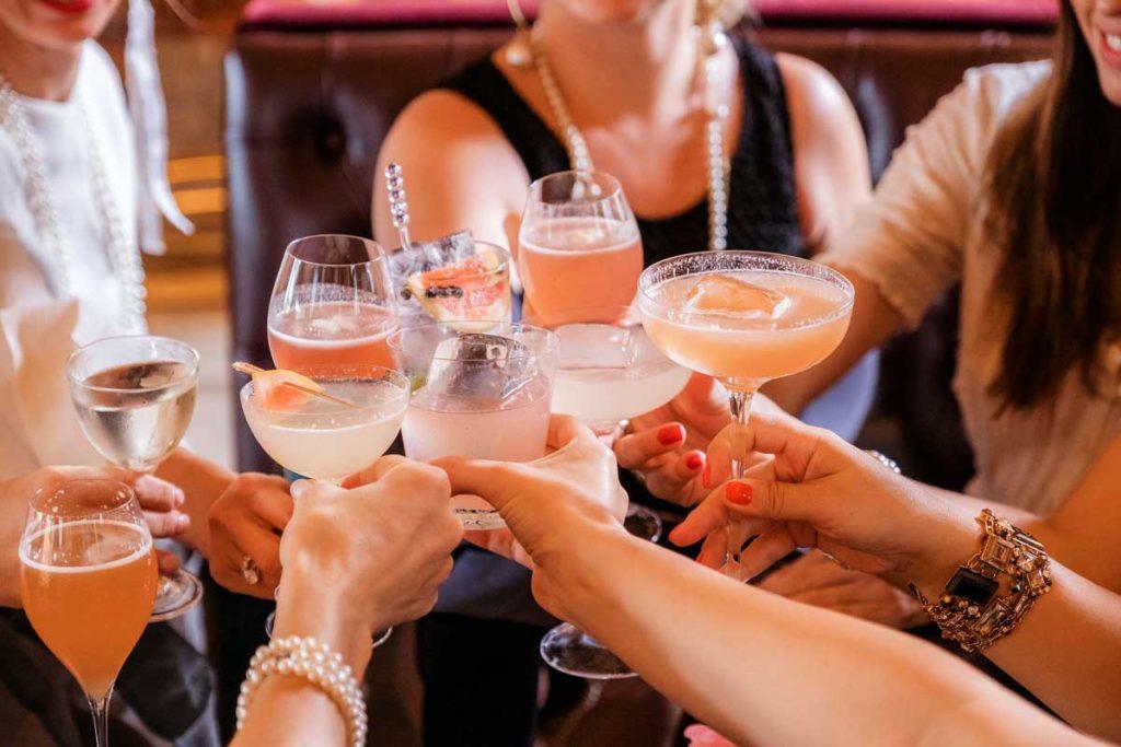Wedding-Toast-Drinks-Cocktails